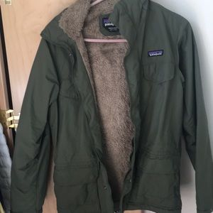 Other - Patagonia green water resistant jacket